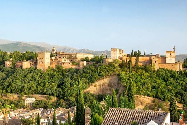 Sehenswürdigkeit in Granada, die Alhambra