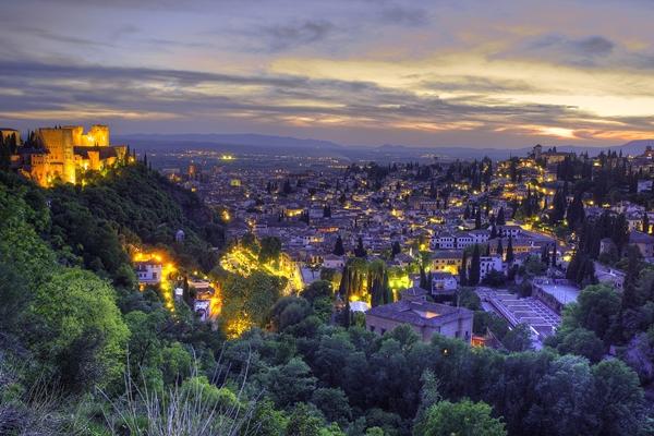 Sehenswürdigkeiten in Granada: die Alhambra