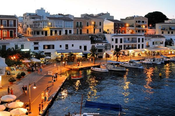 Es Castell - Urlaubort Menorca bei Mahon